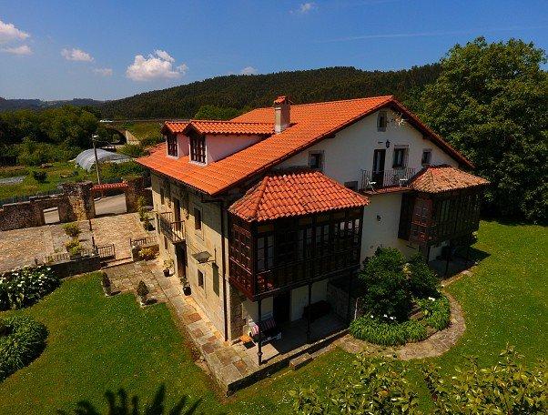 Apartamentos El Sakon, holiday rental in Cantabria