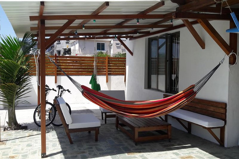 Amazing apt with shared pool & Wifi, holiday rental in Pereybere