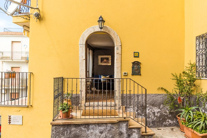 Casa Myle, holiday rental in Castelmola
