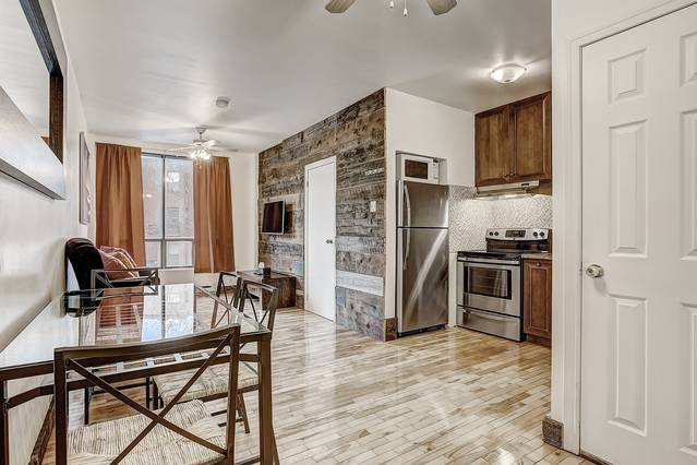 Destination Loft Minutes from Downtown #104, vacation rental in Montreal