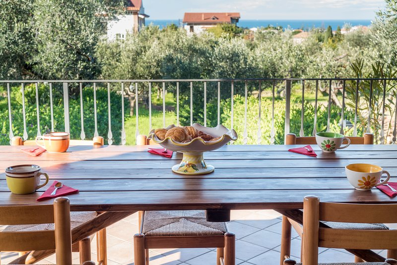 Beautiful house with panoramic sea view. Sleeps 6., vacation rental in Alano