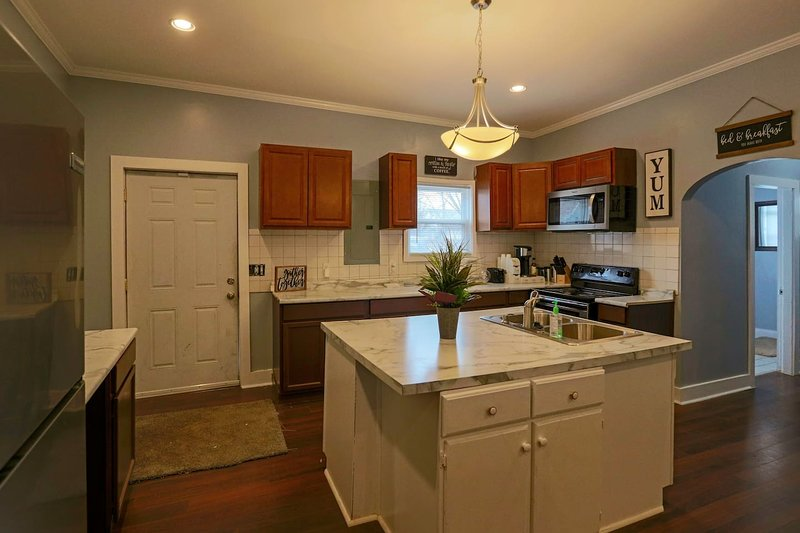 Indy Blue House - Downtown Indy, holiday rental in Greenwood