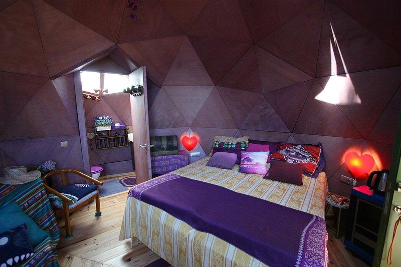 DOMO GEODESICO, BARCELONA MOUNTAIN BEACH, holiday rental in Fogars de la Selva