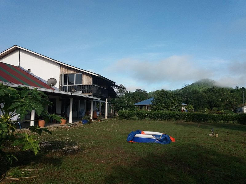 Unique stay upto 10.  Amazing jungle location. 15miles from Kuching Airport, holiday rental in Kota Samarahan