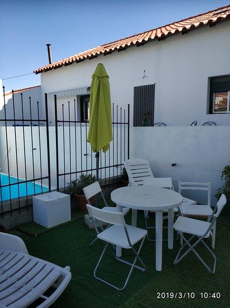 Spacious villa with swimming-pool, location de vacances à Vila Verde de Ficalho