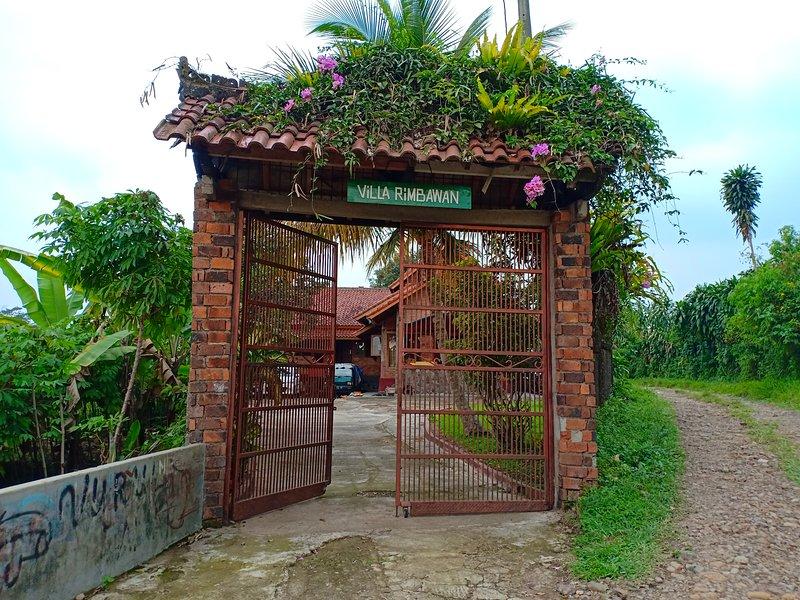 Villa Rimbawan Curug Nangka Bogor, Ferienwohnung in Bogor