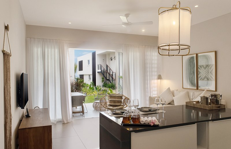 2 Bedrooms Apartment at O'Biches -beautiful and modern in Trou aux Biches, vacation rental in Trou aux Biches