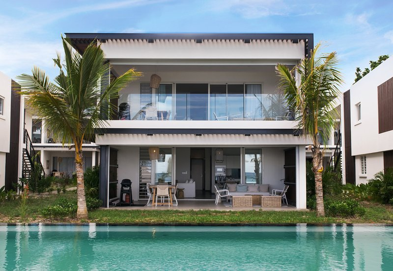 3Bedrooms Apartment at O'Biches Modern and Stunning facing Trou aux Biches Beach, holiday rental in Trou aux Biches