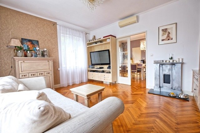 Beautiful apartment with terace in the City Center, vakantiewoning in Slowakije