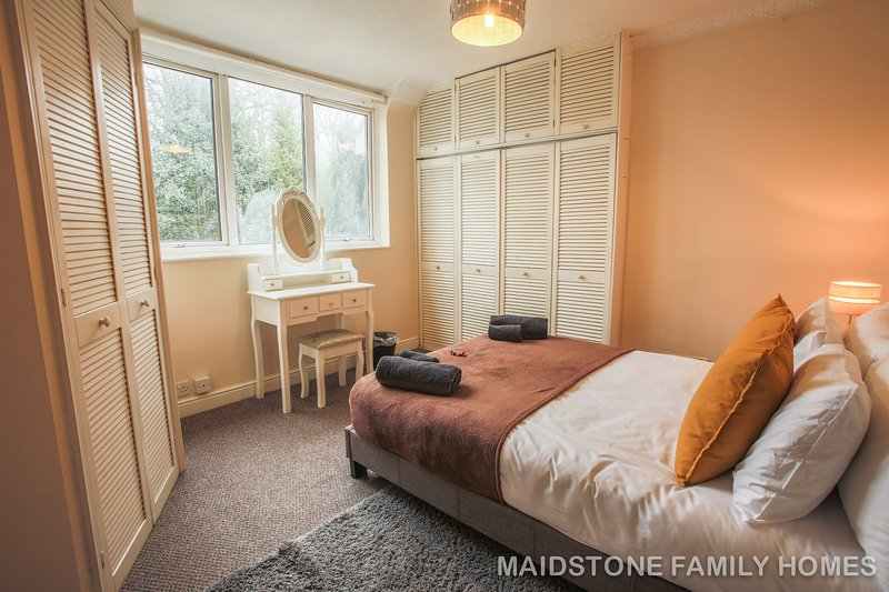 Maidstone Family home for relaxing break, spacious and peaceful place, casa vacanza a East Farleigh