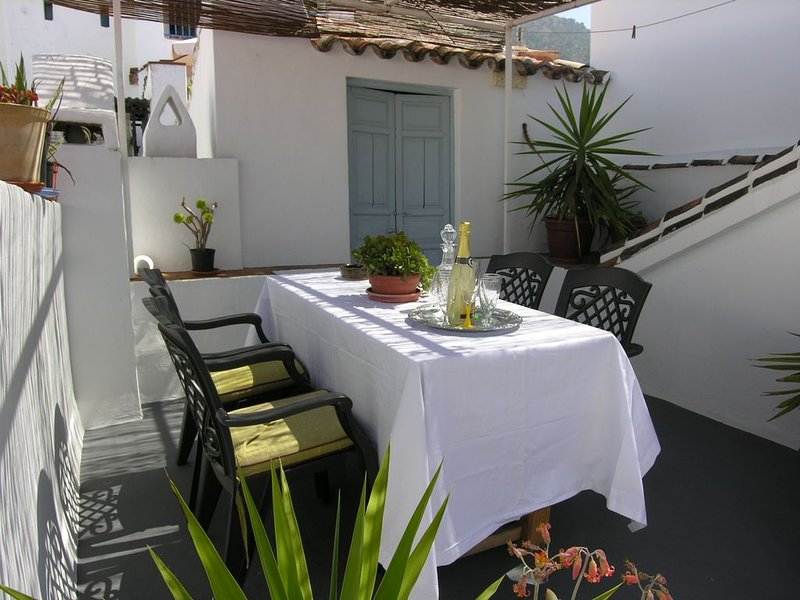 An extraordinary, romantic village house with an abundance of unusual features, holiday rental in Archez