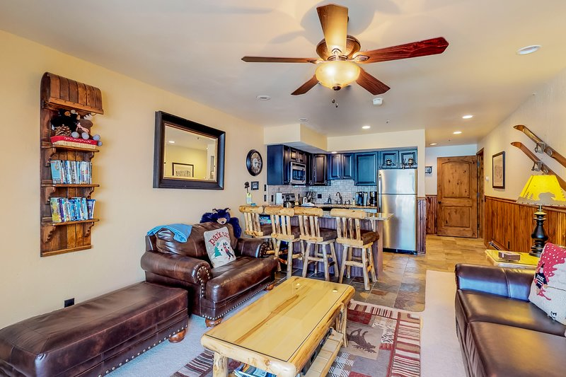 Ski-in/ski-out condo w/entertainment - walk to dining & apres ski Chalet in Park City