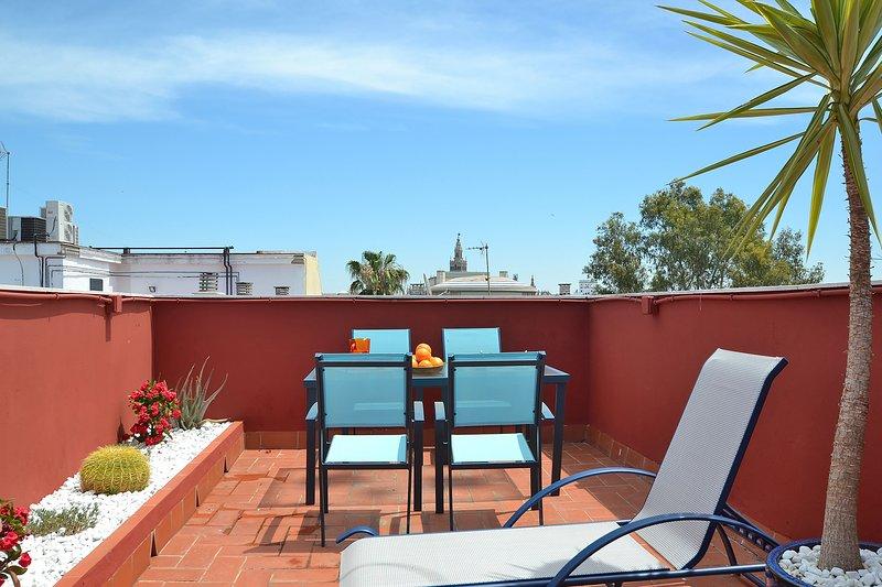 Triana Terrace | One-bedroom with roof-terrace, aluguéis de temporada em Penaflor