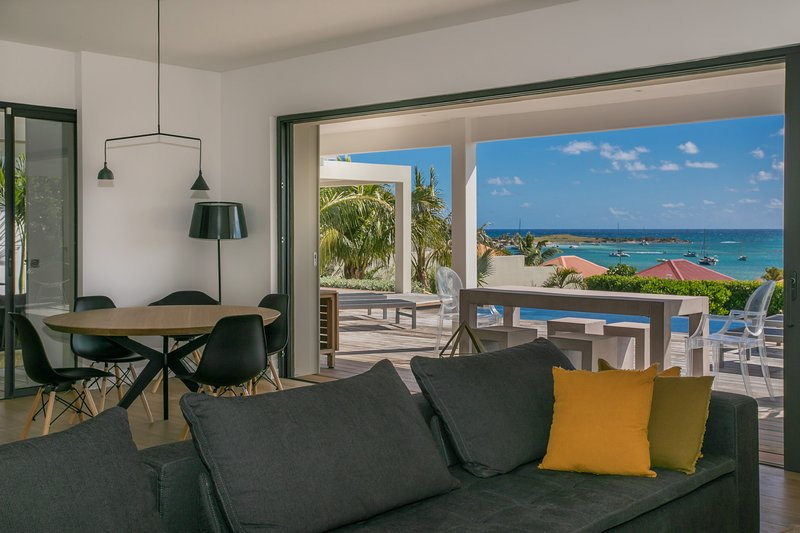 MAY/JUNE , 1 NIGHT FREE -AWESOME Villa Au fil de l'Eau- SEA VIEW, holiday rental in Orient Bay