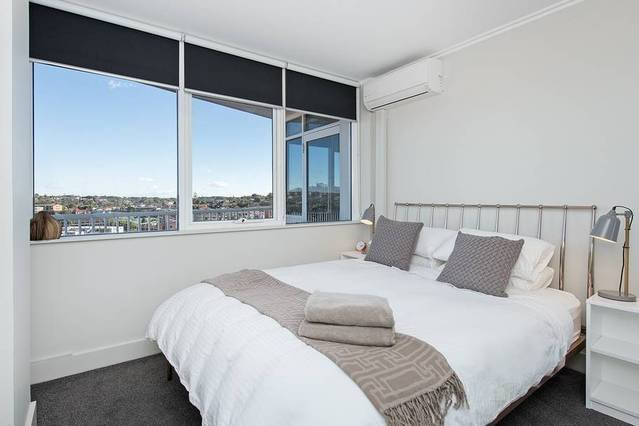 Stunning Ocean View Apartment, holiday rental in Randwick