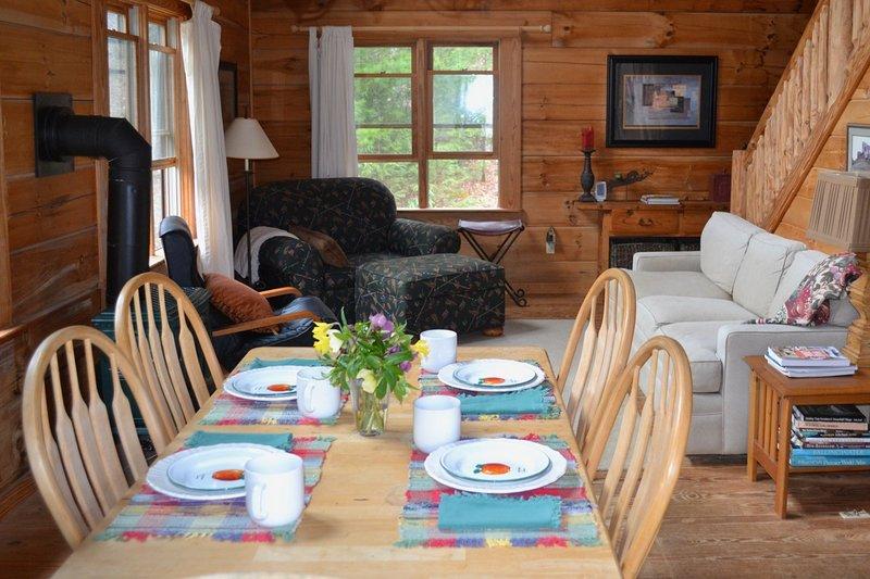 Private Cabin close to Waynesville, Asheville, Hiking, Fishing, Waterfalls, Golf, casa vacanza a Canton