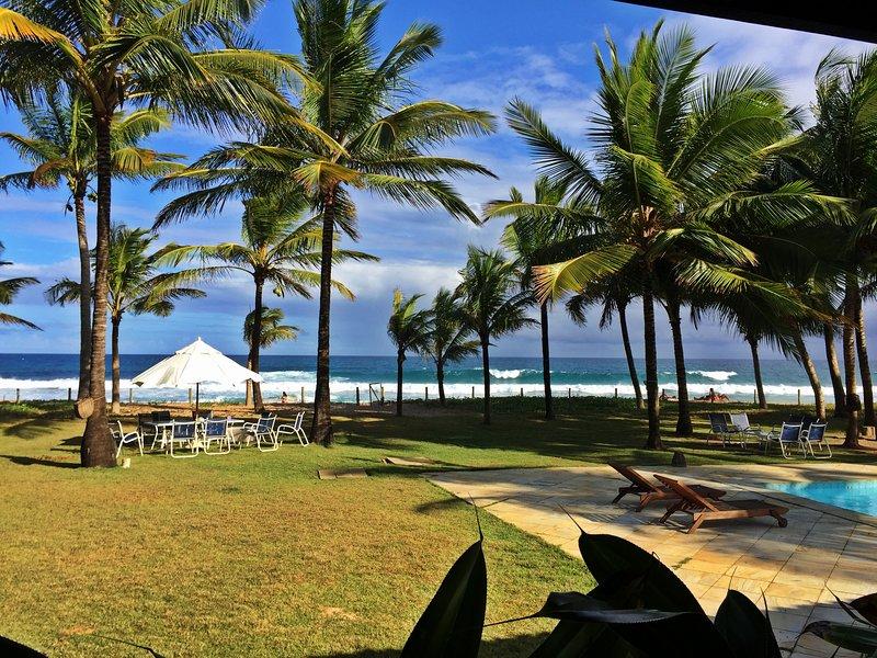 Casa pé na areia na praia de Busca Vida, litoral norte de Salvador, Alto padrão, holiday rental in Abrantes