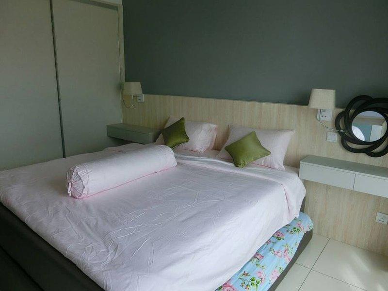 Kitolo Raffles Suites 01 at Johor Bahru 特色中国风三房式, holiday rental in Senai