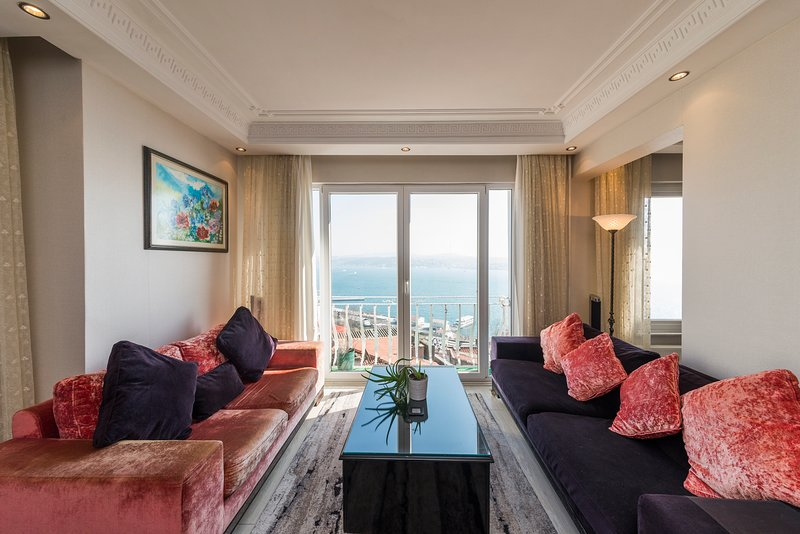 Showcase of Istanbul, Luxury Apartment with Seaview, vacation rental in Istanbul