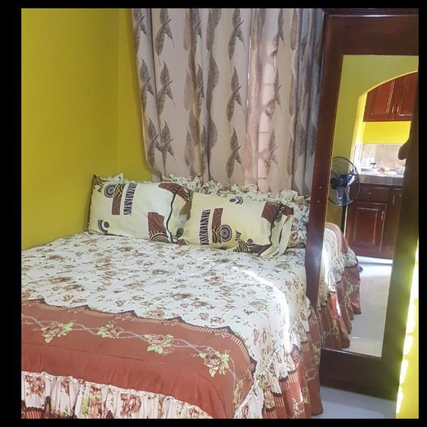 Cozy one Bedroom Studio own bath and kitchen, holiday rental in Port Royal