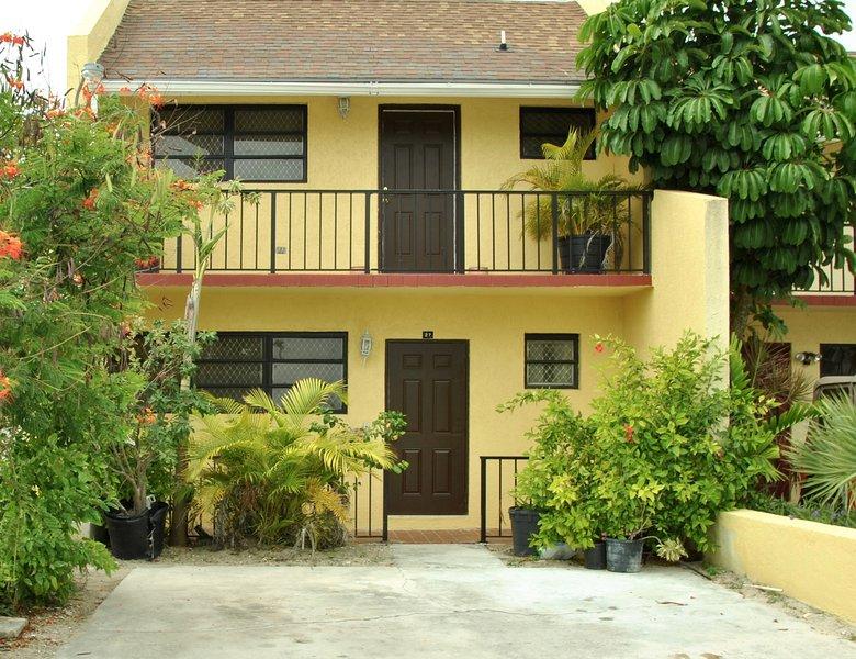 Family Town House Living, Cable Beach Villas Nassau Bahamas - 121 Devonshire St, Unit # 27
