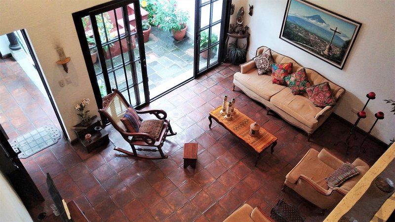 Casita Las Tradiciones - Loft apartment in secure condominium with parking, aluguéis de temporada em Ciudad Vieja