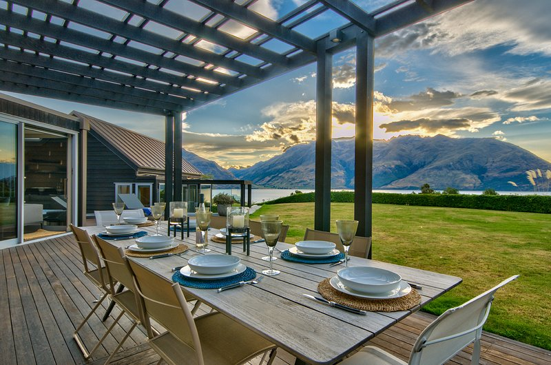 The Long House, vacation rental in Queenstown