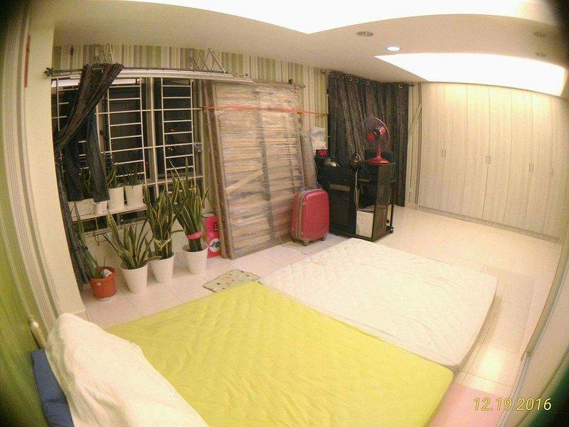 Peaceful home in the city ,Jalil, seri petaling,kembangan,klcc,klia transit., holiday rental in Cheras