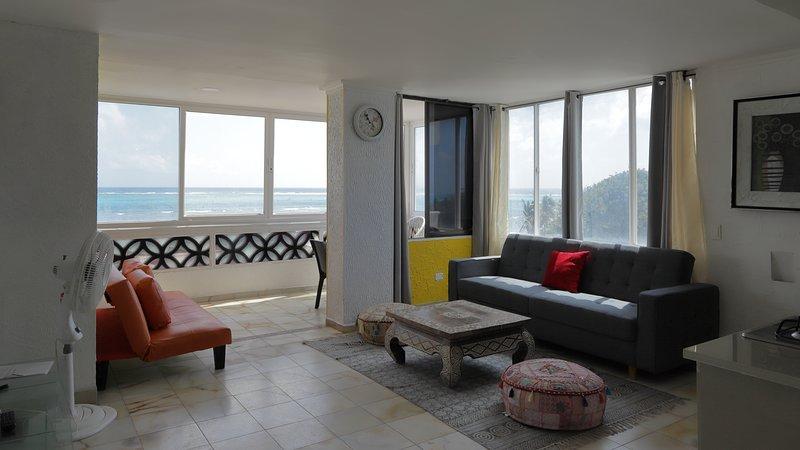 Apartamento frente mar con piscina en San Andres a 40 metros de  playa Commodore, casa vacanza a Isola di San Andrés