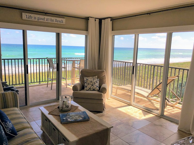 Oceanfront Beautiful & Clean Jensen Beach, vacation rental in Jensen Beach