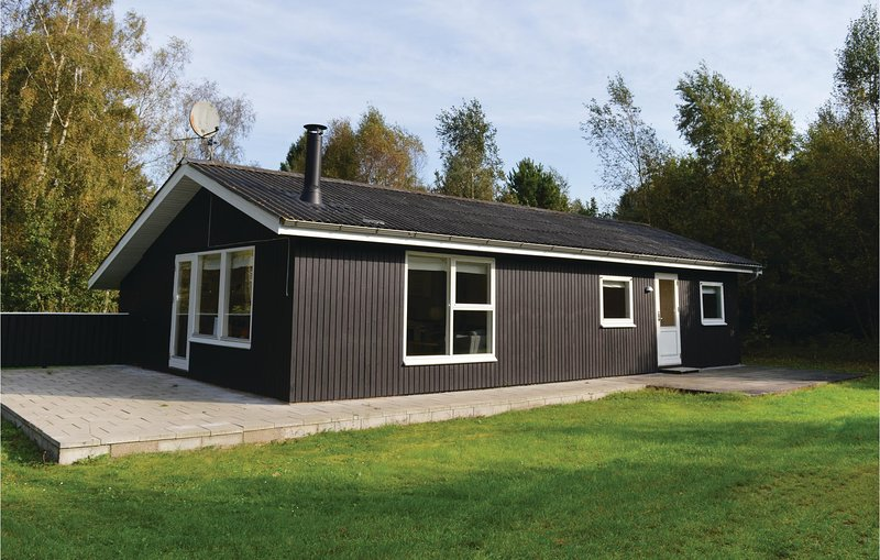 Stunning home in Sæby w/ Sauna and 3 Bedrooms (A26519), vacation rental in Hals
