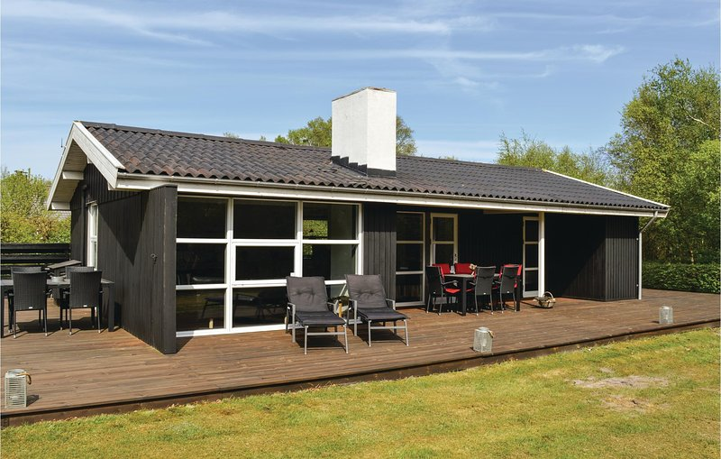 Awesome home in Sæby w/ WiFi and 3 Bedrooms (A26524), vacation rental in Lyngsaa