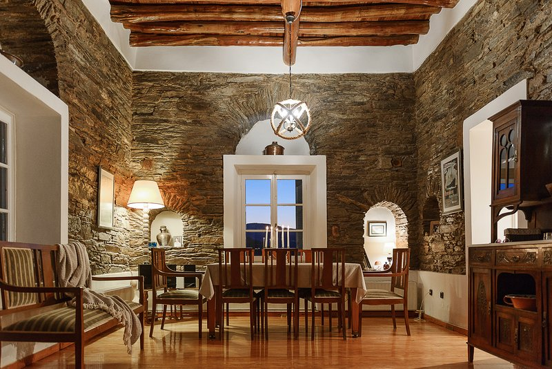 Astra Residential Apartments - Grand Apartment, holiday rental in Ormos Korthiou