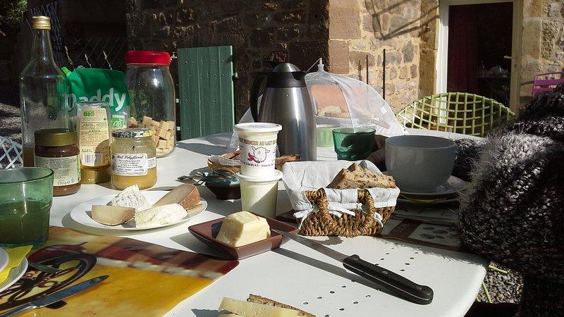 breakfasts in the garden