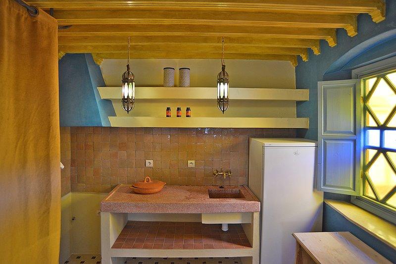 Kitchen room 7. Katoubia.