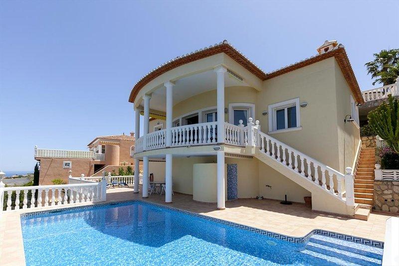 Denia Villa Sleeps 5 with Pool Air Con and Free WiFi - 5047566, casa vacanza a Muntanya la Sella