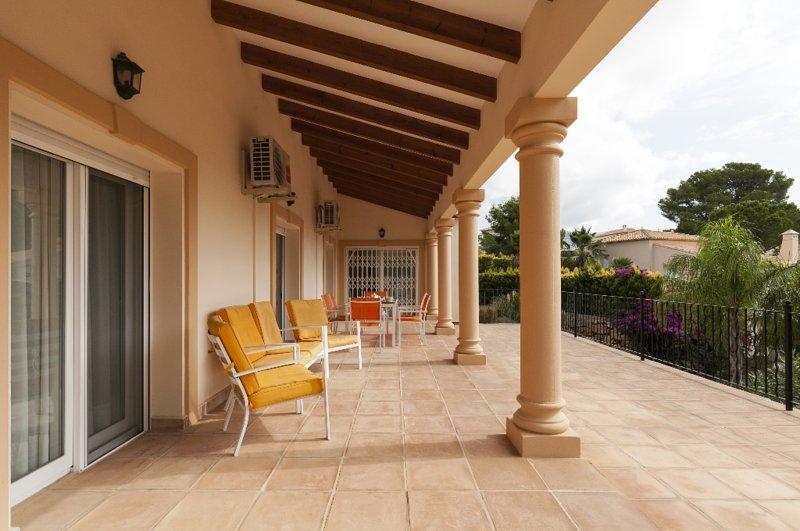 Casas Alfas Villa Sleeps 6 with Pool Air Con and Free WiFi - 5047596, casa vacanza a Muntanya la Sella