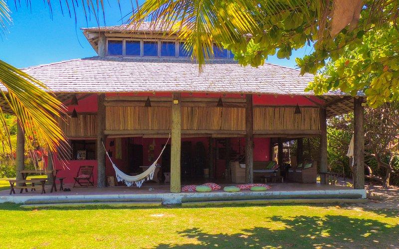 Casa de praia Angatu  areia a seus pés, vacation rental in Ilha de Itaparica