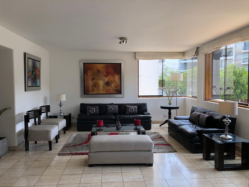 Chacarillas Lux Apartment Parkview 4 bedroom/5bathro, alquiler de vacaciones en Lima