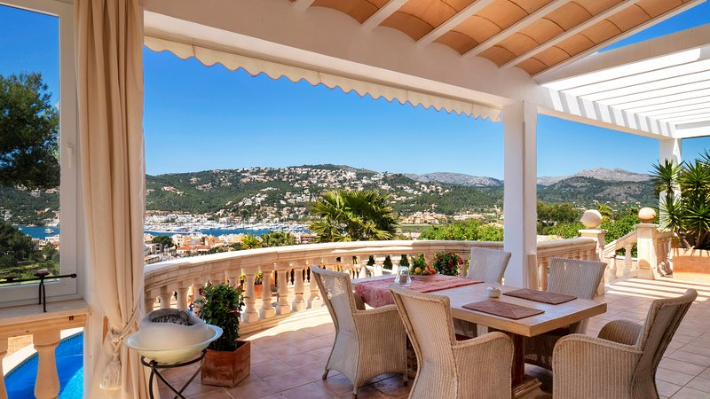 Villa Tanic with amazing views to the Port, holiday rental in Es Capdella