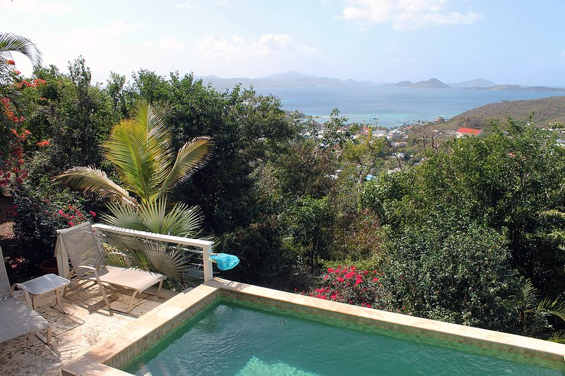 Well-appointed Home with Pool and Stunning Views!, alquiler de vacaciones en Caneel Bay