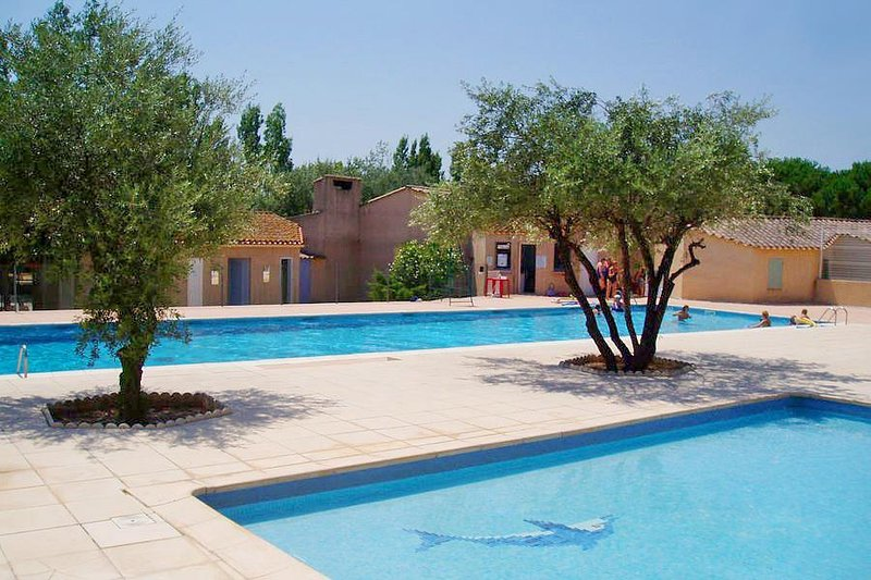 Nice house with shared pool & Wifi, holiday rental in Cebazan