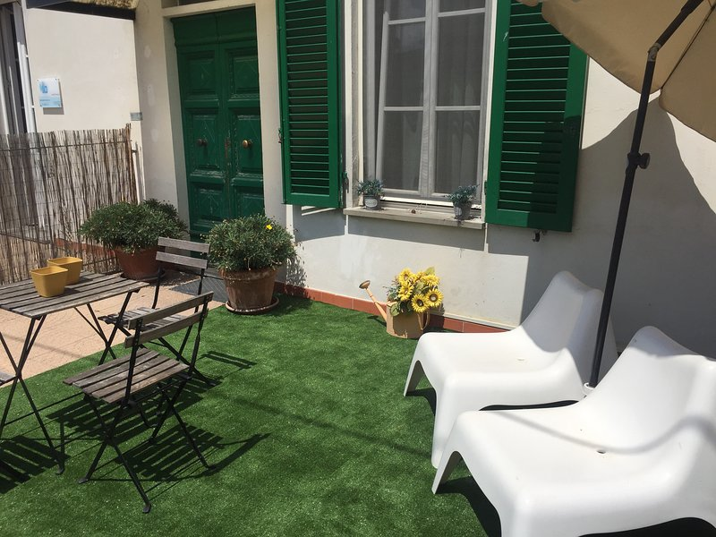 Nice apartment with garden & Wifi, holiday rental in Migliarino
