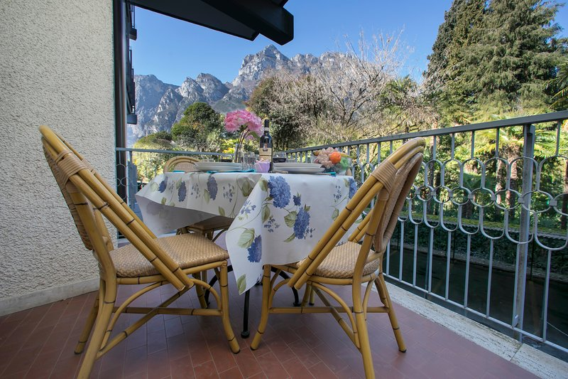 Riva Lago e Spiaggia Apartment, vacation rental in Brentonico