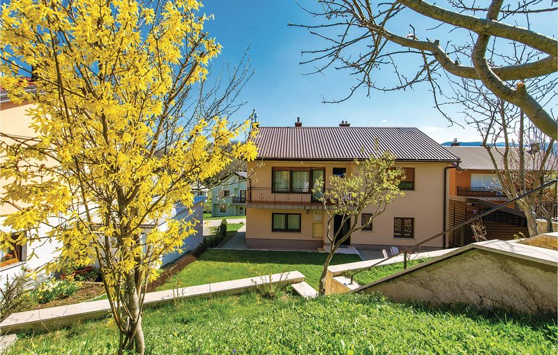 Beautiful home in Fuzine with WiFi and 2 Bedrooms (CKB313), vacation rental in Zlobin