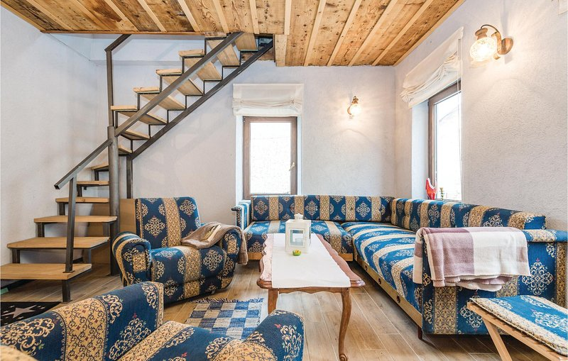 Stunning home in Brod Moravice with WiFi and 2 Bedrooms (CKB311), location de vacances à Donji Vuksici