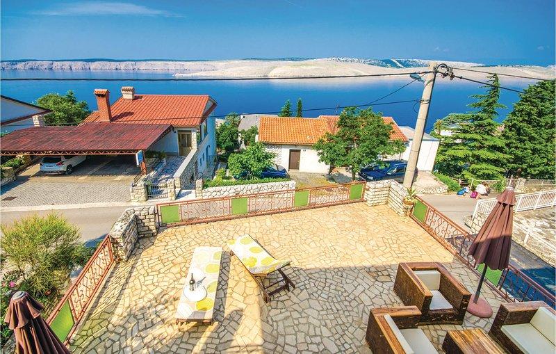 Beautiful home in Jadranovo with WiFi and 3 Bedrooms (CKC227), casa vacanza a Jadranovo