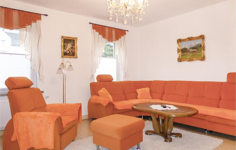 Nice home in Gelenau with WiFi and 2 Bedrooms (DER124), casa vacanza a Lengefeld