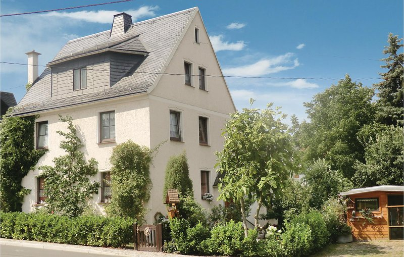 Awesome home in Bad Schlema OT Wildb. with 2 Bedrooms (DER268), holiday rental in Oelsnitz/Erzgebirge
