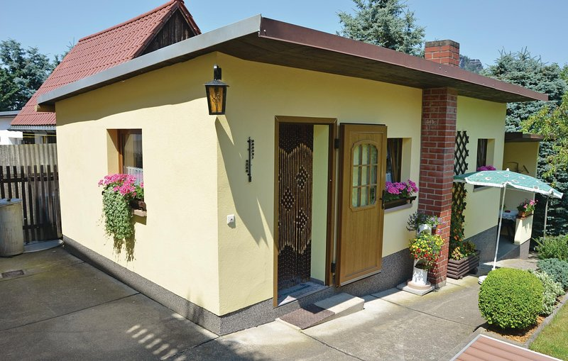 Stunning home in Königstein with WiFi and 1 Bedrooms (DER114), vacation rental in Rathen